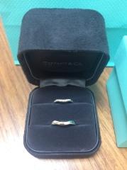 【ティファニー(Tiffany & Co.)の口コミ】 指が太めなので、なるべく細く見えるようなデザインのもの、且つ、つけ心…