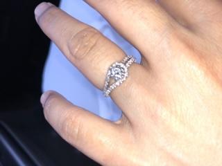 【宝寿堂(ほうじゅどう)の口コミ】 仕事の都合で普段は指輪着けないので、結婚指輪は華やかなものにしました…