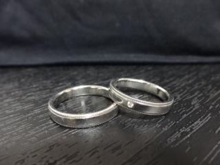 【CHARMY(チャーミー)の口コミ】 夫婦二人とも指が立派なので、太めの指輪且つ仕事上シンプルなものをとい…