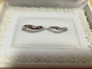 【宝寿堂(ほうじゅどう)の口コミ】 他店で気に入ったデザインに近いもので、ダイヤの数を増やしても10万近く…