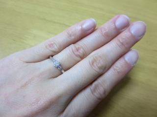 【4℃(ヨンドシー)の口コミ】 シンプルで、かつ主張しすぎない輝きを放つダイヤモンドに魅了されたので…