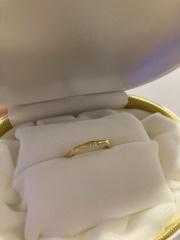【カオキ ダイヤモンド専門卸直営店の口コミ】 デザインと素材、価格。とても悩みましたが、2人とも「これ良いね!」と直…