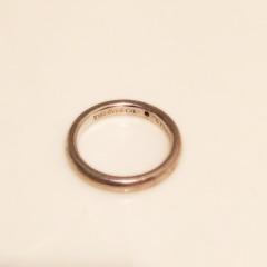 【ティファニー(Tiffany & Co.)の口コミ】 ずっとつけられるものでシンプルな指輪ということで、質の良さやブランドネ…