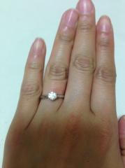 【アンジェリックフォセッテ(Angelique Fossette)の口コミ】 婚約指輪は好きなものを選んでいいよ、と言われて雑誌を見たり、実店舗に何…