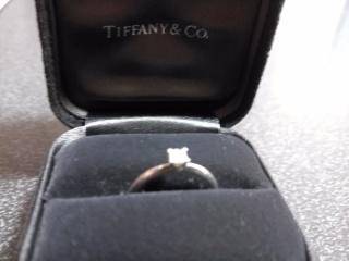 【ティファニー(Tiffany & Co.)の口コミ】 プリンセスカットはカラット数よりも大きめに見えると店員さんに言われたこ…