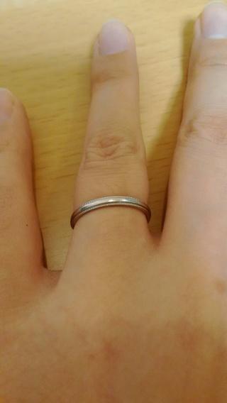 【サマンサシルヴァブライダルの口コミ】 結婚指輪を探していると、特に女性用は華奢なデザインでウェーブしている…