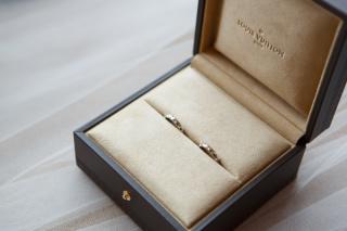 【ルイ・ヴィトン(LOUIS VUITTON)の口コミ】 普通のありきたりなデザインではなく、模様のようなデザインの結婚指輪を探…