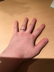 【SIND BAD(シンドバット)の口コミ】 旦那と2人で話し合いで決めた指輪です。 イエローゴールドがいう旦那とプ…