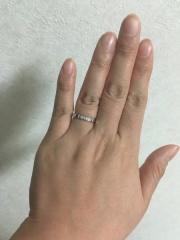 【カルティエ(Cartier)の口コミ】 ダイヤが入ったリングがよかったのですが、 一粒だと目立たない、沢山入っ…