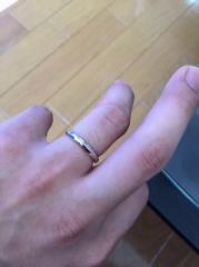 【エクセルコダイヤモンド(EXELCO DIAMOND)の口コミ】 ゴールドとプラチナの鮮やかなクロスラインが大変気に入り、着けた感じも割…