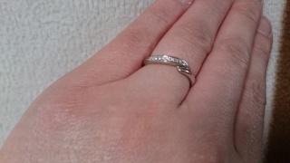 【銀座ダイヤモンドシライシの口コミ】 輝きの違い、デザインの可愛さ。他のブレンドも見ましたが、こちらの指輪の…