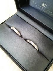 【ラザール ダイヤモンド(LAZARE DIAMOND)の口コミ】 当初はシンプルな指輪を探していろいろなお店を回っていたんですが、シンプ…