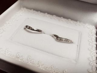 【宝寿堂(ほうじゅどう)の口コミ】 指輪が少しデザイン性のあるものにしたかったのと、彼が「指輪をはめると…
