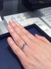 【銀座ダイヤモンドシライシの口コミ】 何店舗か回り、デザイン、種類の豊富さで銀座ダイヤモンドシライシさんに…