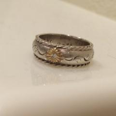 【ARIZONA FREEDOM(アリゾナフリーダム)の口コミ】 夫婦揃ってカジュアルな服しか着ないので、それに合う指輪がいいねと話して…