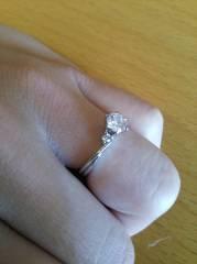 【ラザール ダイヤモンド(LAZARE DIAMOND)の口コミ】 購入当時は二十代前半で若かったのですが、スタッフの方のオススメで、今だ…