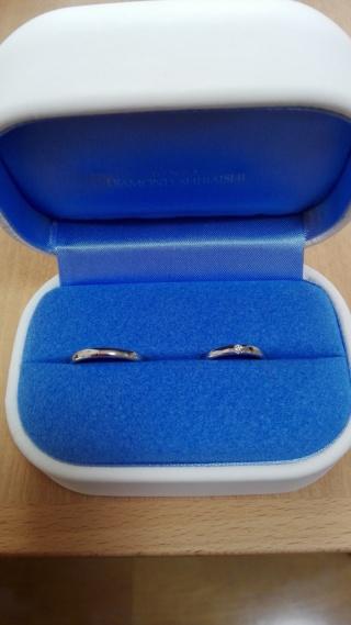 【銀座ダイヤモンドシライシの口コミ】 シンプルな結婚指輪を探していました。 また、ずっとつけていたかったので…