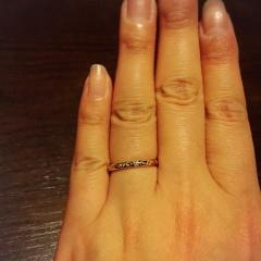 【フラウ神戸の口コミ】 元々あるデザインから、オリジナルでダイヤを入れたり、指輪の幅を変更し…