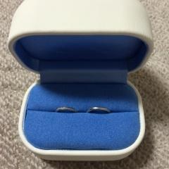 【銀座ダイヤモンドシライシの口コミ】 2人とも気に入ったデザインであったことが一番の決め手です。細めのリング…