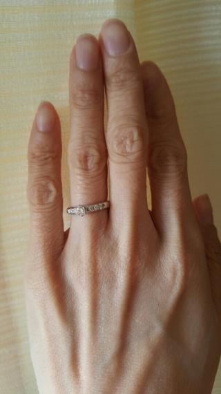 【MIKIMOTO(ミキモト)の口コミ】 知り合いの方がミキモトの婚約指輪を購入して身に着けているのを見て、と…