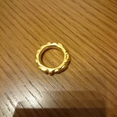 【Chrome Hearts(クロムハーツ)の口コミ】 個性的な指輪がいいなと思っていたので、これは理想にぴったりでした。 こ…