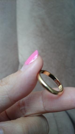 【カルティエ(Cartier)の口コミ】 まず色が気に入りました。ゴールドは珍しいし、イエローゴールドは明るいゴ…