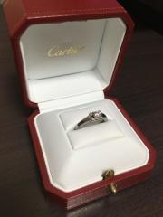 【カルティエ(Cartier)の口コミ】 ぽちゃっとした指にコンプレックスがあり、婚約指輪は似合わないからいらな…