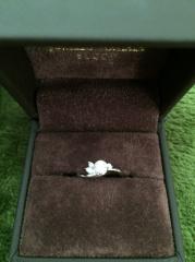 【JEWELRY  KAMATA(ジュエリーかまた)の口コミ】 何店舗か見回って、好きな指輪がなかったので婚約指輪どうしようかな。とい…