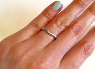 【ティファニー(Tiffany & Co.)の口コミ】 シンプルなデザインで探していたので、一粒のダイヤがポイントとなっている…