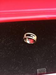 【グッチ(GUCCI)の口コミ】 婚約指輪は一般的には、石が付いているのが多いと思いますが、仕事上あまり…