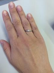 【ティファニー(Tiffany & Co.)の口コミ】 ダイヤの大きさかわ自分で選べ、シンプルだけど洗練されており上品だった。…