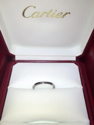 【カルティエ(Cartier)の口コミ】 結婚指輪はカルティエ!と主人と結婚前から決めていました。 婚約指輪と重…