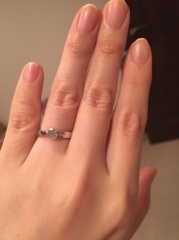 【ティファニー(Tiffany & Co.)の口コミ】 ティファニーのブルーボックスにずっと憧れがあったので、婚約指輪はティフ…