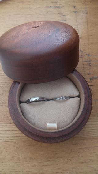 【COLANY(コラニー)の口コミ】 婚約指輪も、同ブランドのものを頂き、つけ心地が滑らかでストレスがない…