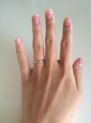 【THE KISS(ザ・キッス)の口コミ】 婚約指輪は予算上買うことができず結婚指輪のみ購入する予定だったので普段…