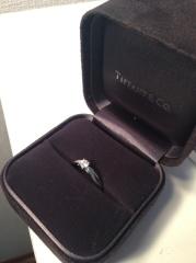【ティファニー(Tiffany & Co.)の口コミ】 婚約指輪はシンプルな一粒ダイヤがいいなと以前から思っていたので、こち…