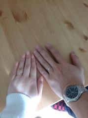 【エクセルコダイヤモンド(EXELCO DIAMOND)の口コミ】 結婚指輪を購入する2ヶ月前に婚約指輪を別のお店で購入していて、かなり満…