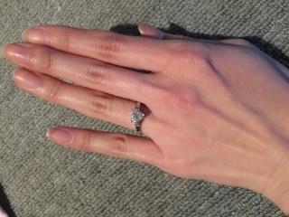 【ティファニー(Tiffany & Co.)の口コミ】 シンプルなダイヤの指輪ですが、ダイヤがハート型なので珍しくて気に入り…