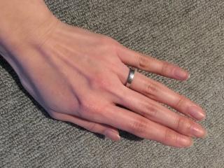 【グッチ(GUCCI)の口コミ】 なんの特徴もないシンプルなものに見えますが、手のひら側が少し細くなって…