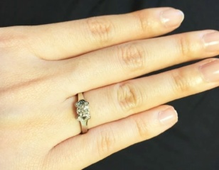 【カルティエ(Cartier)の口コミ】 結婚当時は婚約指輪はもったいなくてと思っていたのですが、やはりもらって…