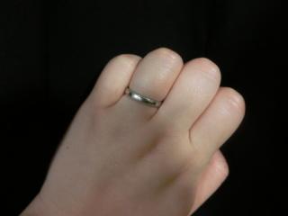 【LUCIE(ルシエ)の口コミ】 指が太めなので、ほっそりして見える幅のものを探していました。勤務中に結…