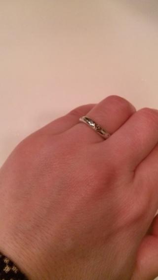 【4℃(ヨンドシー)の口コミ】 二人で買いに行きました。彼女が以前からシンプルな指輪をしていたので今回…