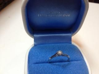 【銀座ダイヤモンドシライシの口コミ】 太くて関節のゴツゴツしてる、指輪が似合わない私の指に、似合うデザイン…