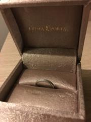 【PRIMA PORTA(プリマポルタ)の口コミ】 パラジウムというお素材を使っているのでダイヤモンドがたくさん入っている…