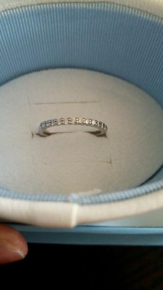 【canal4℃(カナルヨンドシー)の口コミ】 さりげなくシンプルなデザインで結婚指輪と重ね付けできるものがいいなと…