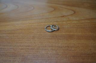 【俄(にわか)の口コミ】 決め手となったのは、すごくシンプルであったことです。毎日はめる結婚指輪…