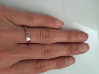 【TRECENTI(トレセンテ)の口コミ】 他にないデザインがほしかったので、ダイヤモンドの立て爪がハートの形をし…