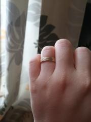 【HELIOS(ヘリオス)の口コミ】 主人も私もゴールドのアクセサリーが大好きで、結婚指輪もゴールドにしよ…
