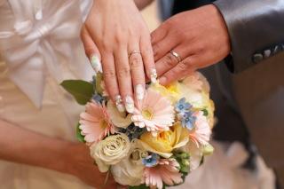【俄(にわか)の口コミ】 私がもともと欲しかった指輪は華奢なタイプの物でした。でも実際にはめてみ…