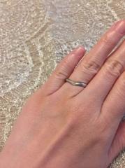 【MIKIMOTO(ミキモト)の口コミ】 婚約指輪を先にミキモトで決めたのですが、そちらと重ねづけも可能なデザイ…